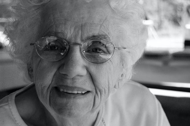 Alzheimer : comprendre la maladie pour mieux accompagner les malades